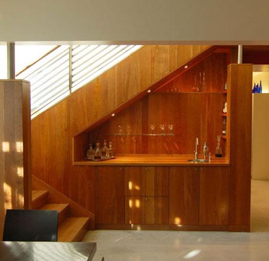 bar sous escalier